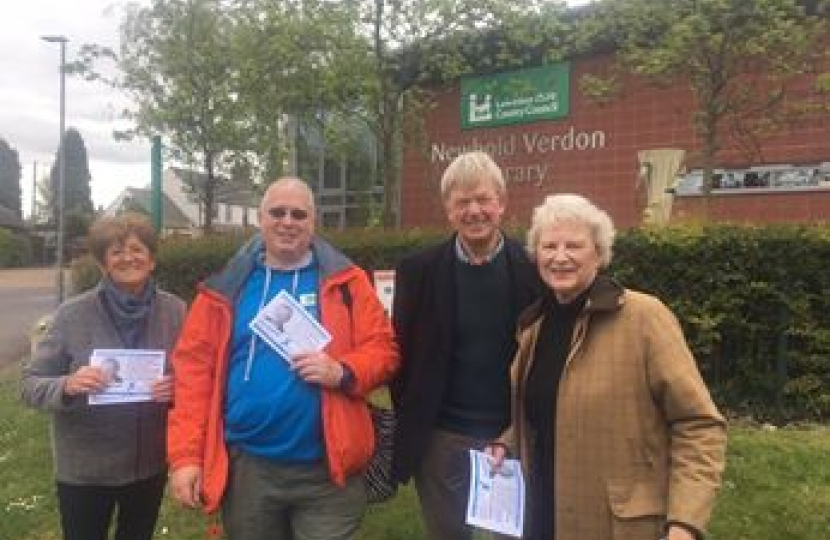 David Tredinnick campaigning with Ruth Camamile and team.