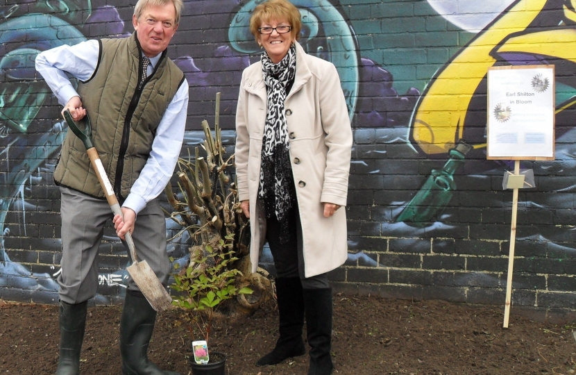 David Tredinnick and Cllr Janice Richards at the launch of Earl Shilton in Bloom